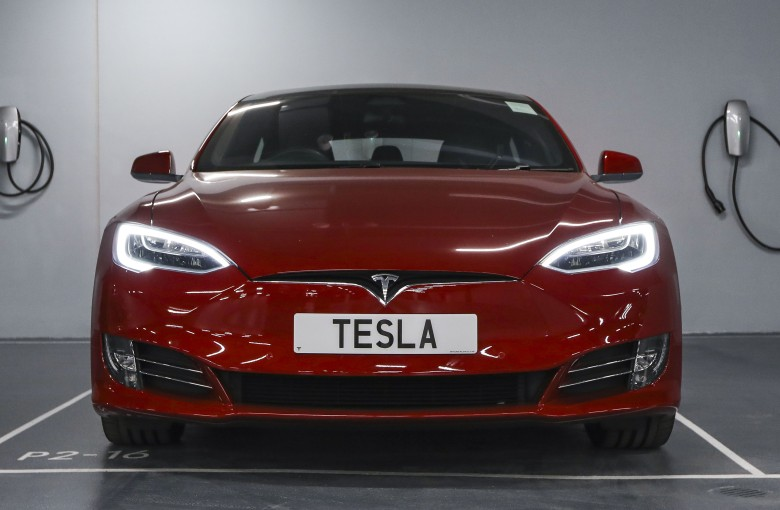 More trouble for Tesla and Elon Musk in the world's top car market
