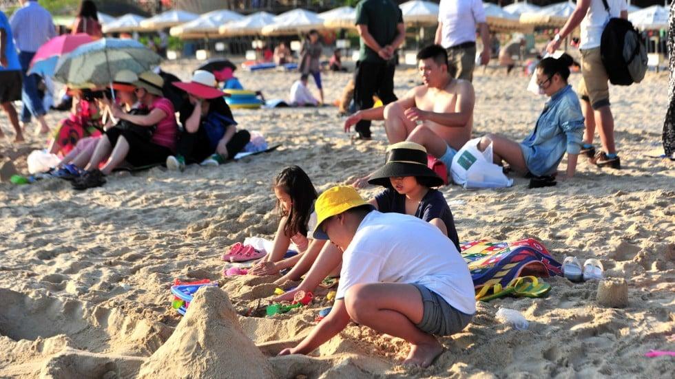 Hainan Coverup As Sanya S Down On Sunbathers