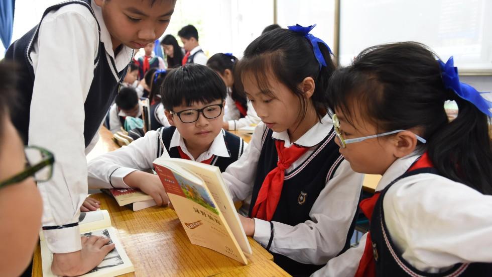 do school uniforms help students learn