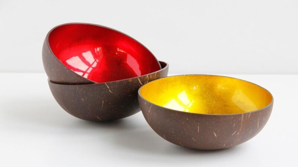 handcrafted coconut shell bowls from tree are inlaid with firey colours of red or gold leaf chi yung office feng shui