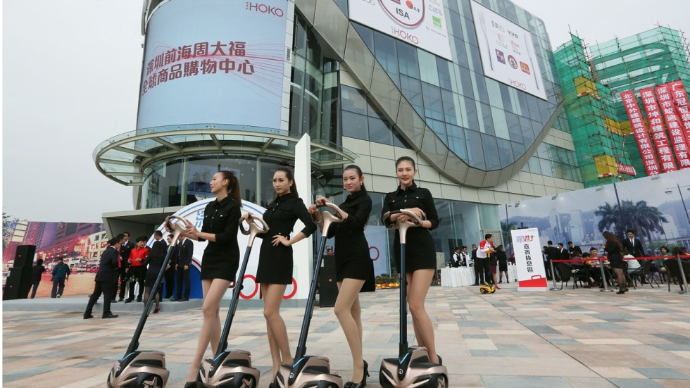 Shenzhen Shopping Mall Attracts Custom For Hong Kong Products Yet May Also Lead To Further