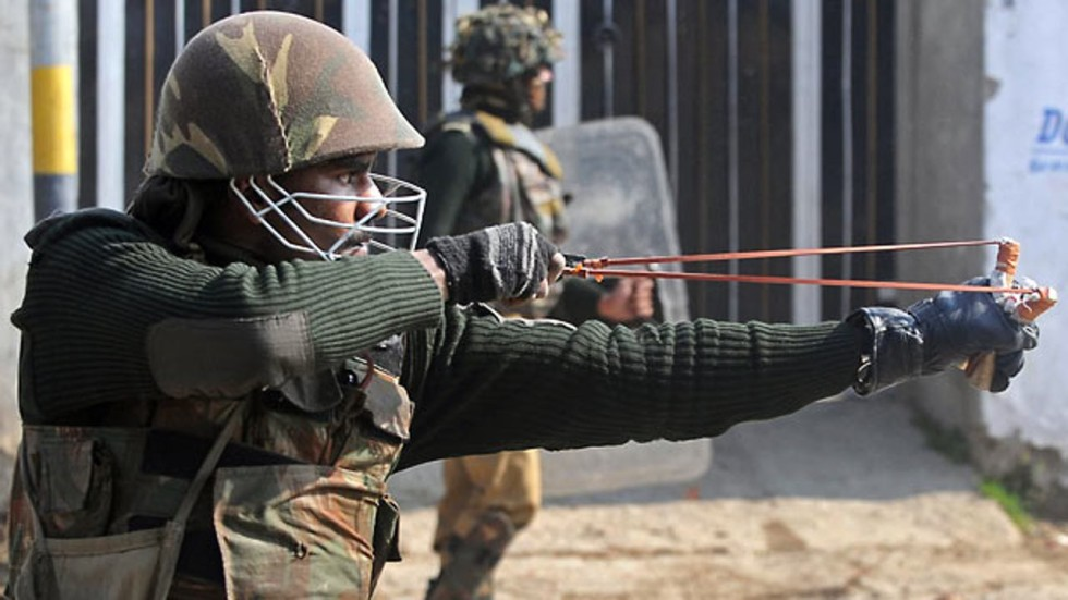 Chilli Loaded Slingshots Indian Police Eye Cost Effective New