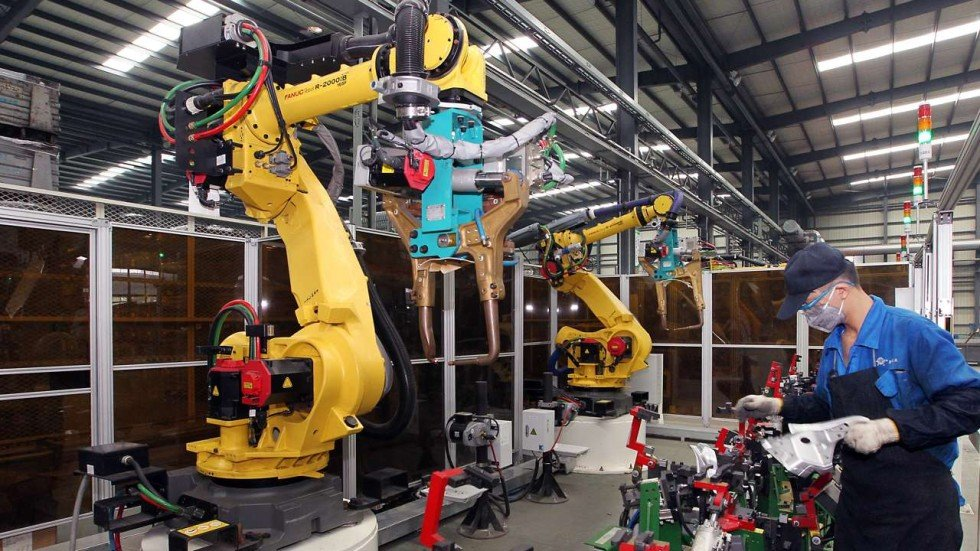 Rise Of The Robots 60 000 Workers Culled From Just One