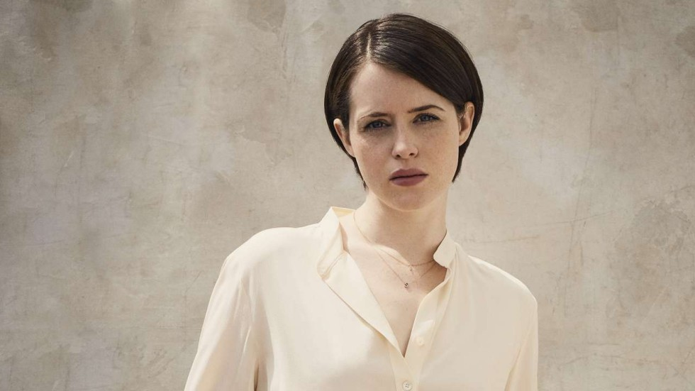 How Claire Foy 'keeps things real' playing Queen Elizabeth