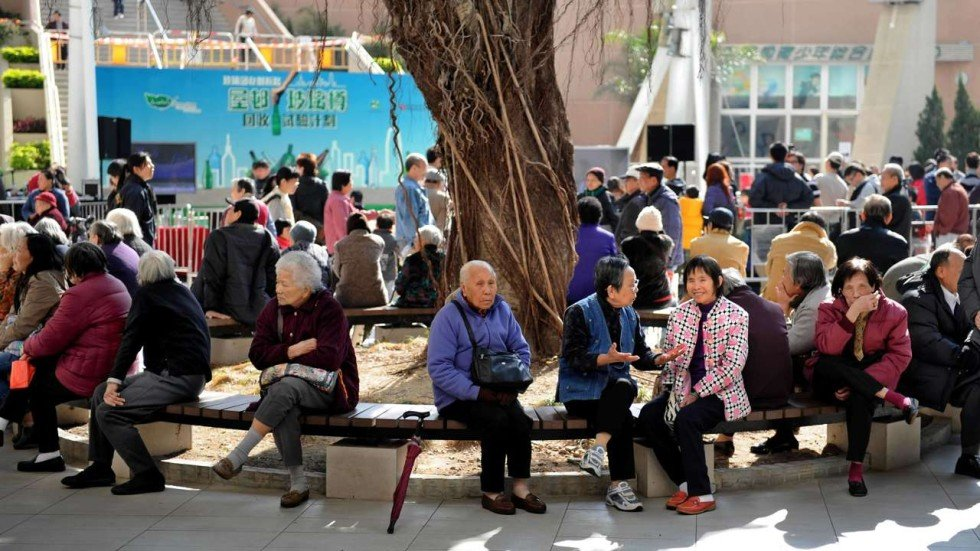 ageing population in hong kong Leung pak-yin says to meet the challenge of a population that's living longer, with more people suffering chronic diseases, the hospital authority needs to change its focus.