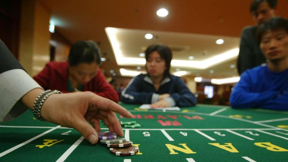 Как в мафии попасть в казино ооо роял сочи казино