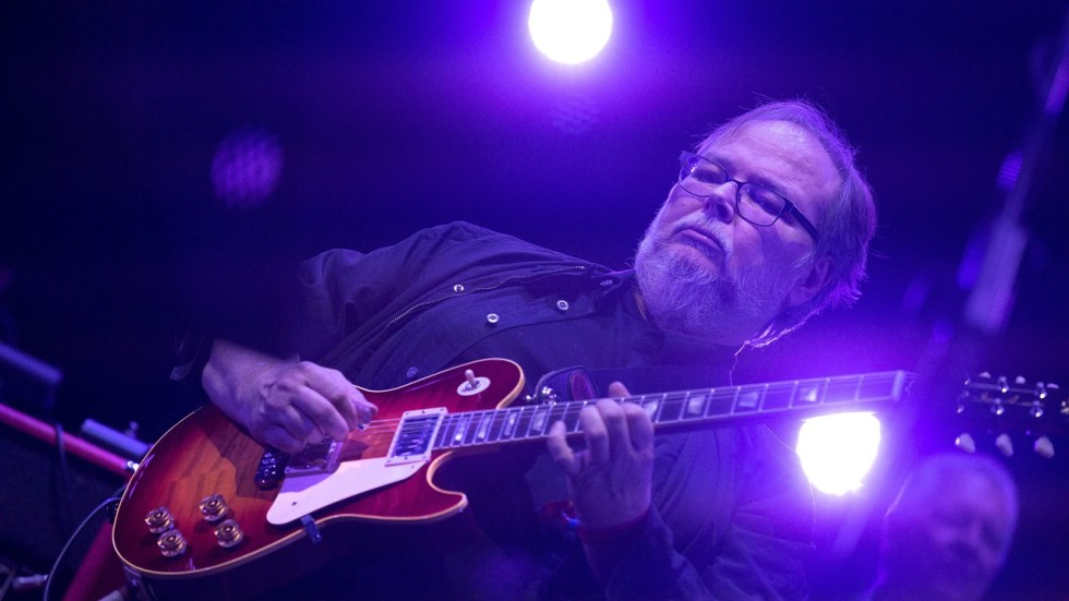 Steely dan co founder and guitarist walter becker dies at 67 south associated press malvernweather Gallery