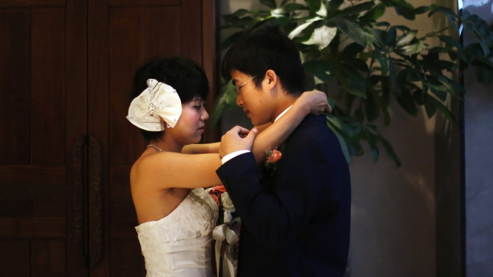 Younger couple at marriage counselor - 2 part 8