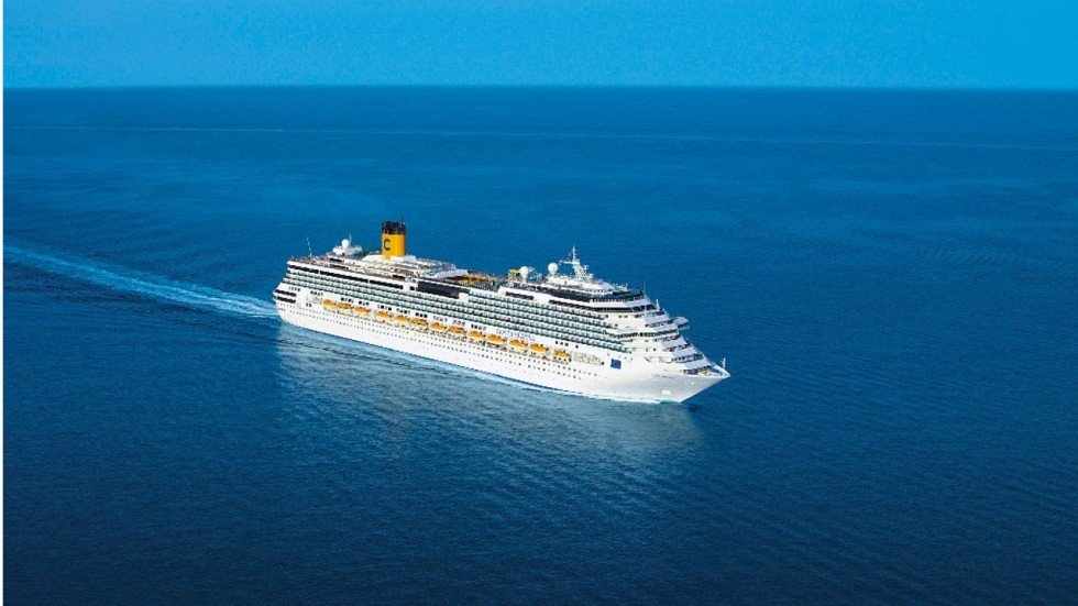 Cruise Ship Passengers Protest After Captain Skips Stops In Plague - Image of cruise ship
