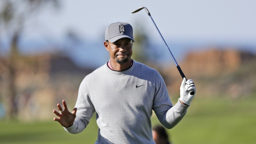 tiger woods to start 2018 season at torrey pines in his