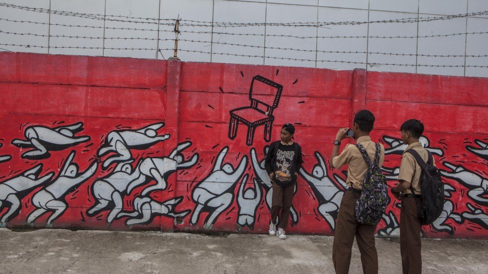 Jakartas Street Artists Brave Arrestual Harassment To Spray Citys Walls With Colour Character And Social Critique South China Morning Post