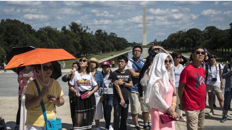 Αποτέλεσμα εικόνας για Chinese tourists double in Europe during the first half of 2018