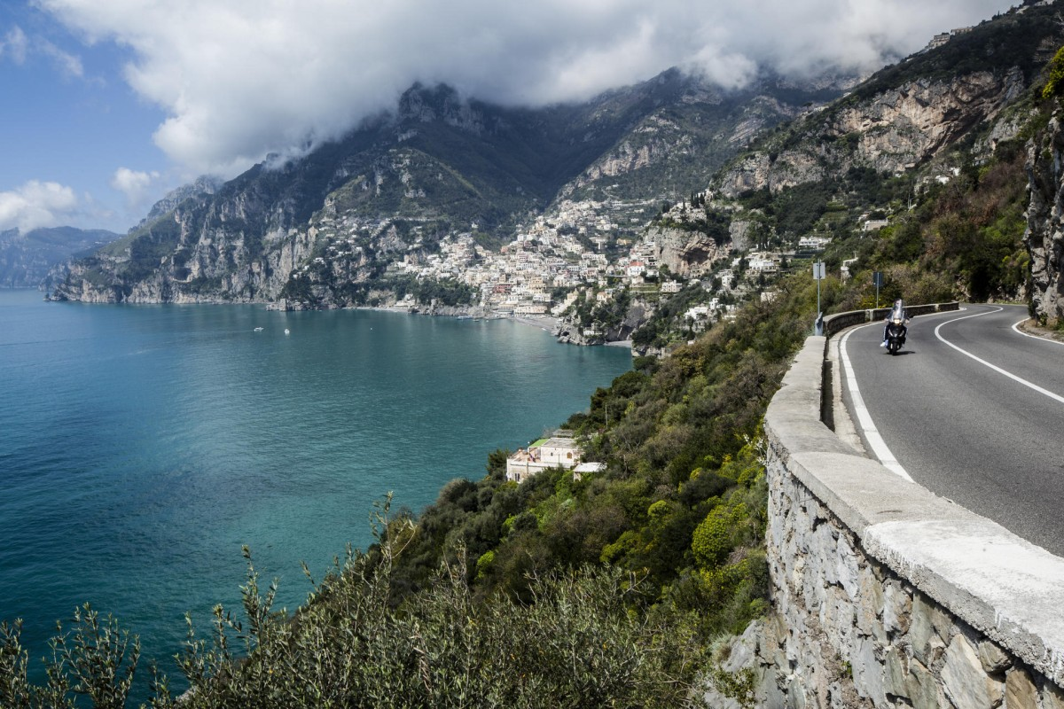 The Amalfi coast road looking towards Positano.
