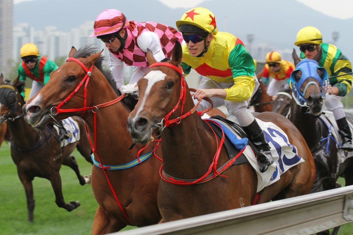 Joy Together (yellow cap) was the last horse to win from the outside alley over 1,000m at Sha Tin, eight months ago. Photo: Kenneth Chan