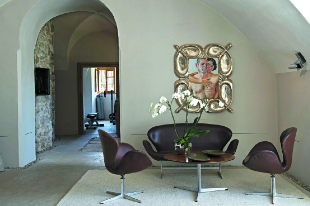 A Josef Kern painting adorns one of the walls in Wurm's home.