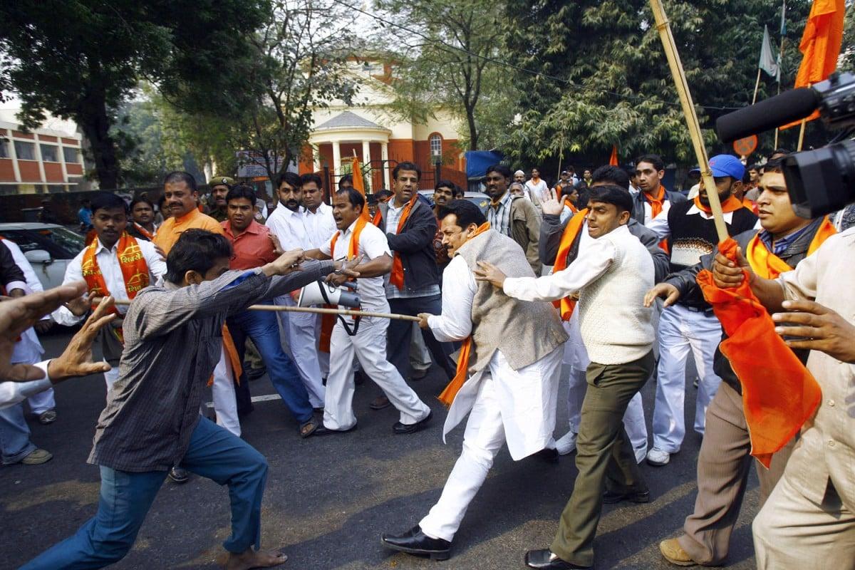 Hindu and Muslim activists clash in New Delhi, in 2007.