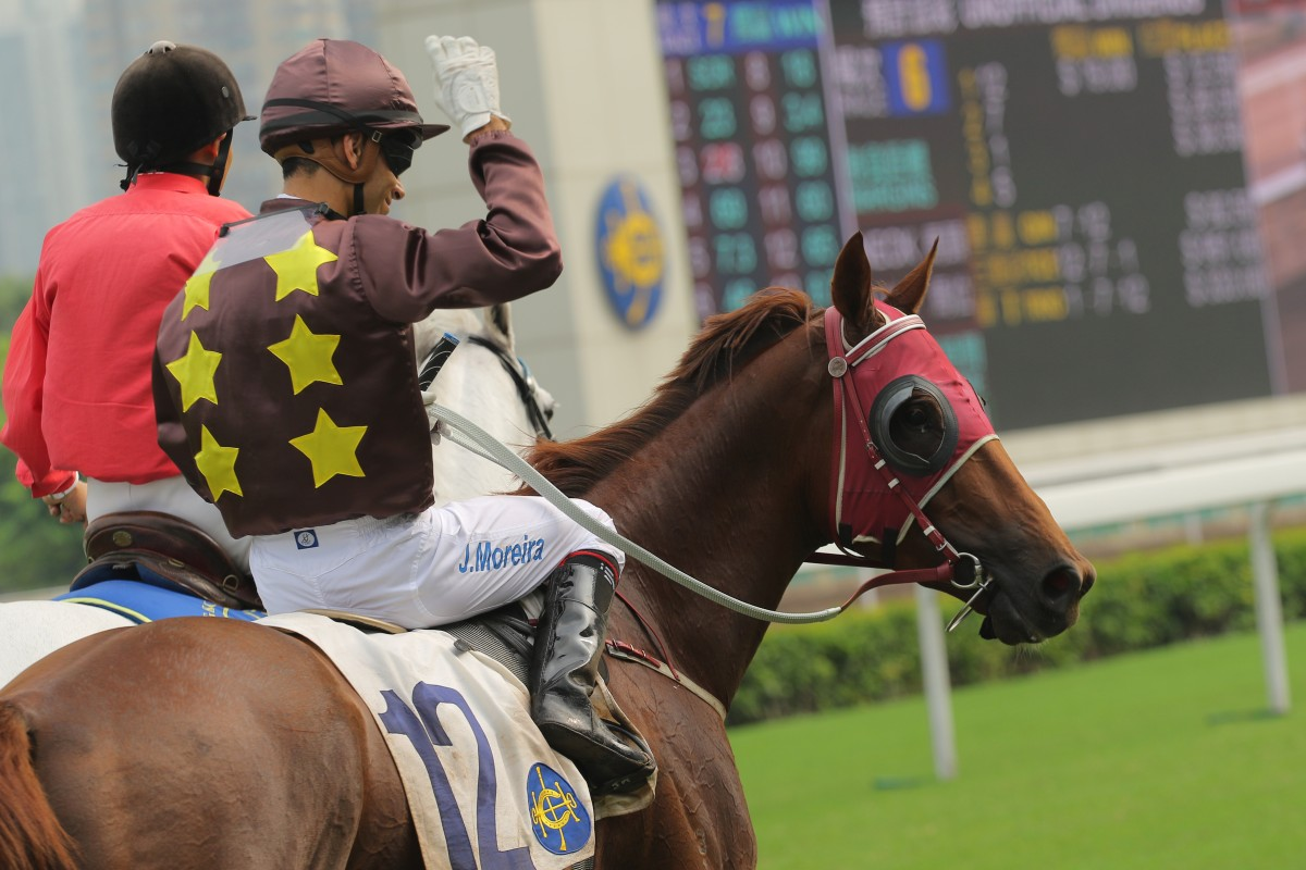 Joao Moreira had better memories on Sure Peace this time, having injured himself when last winning on the horse.