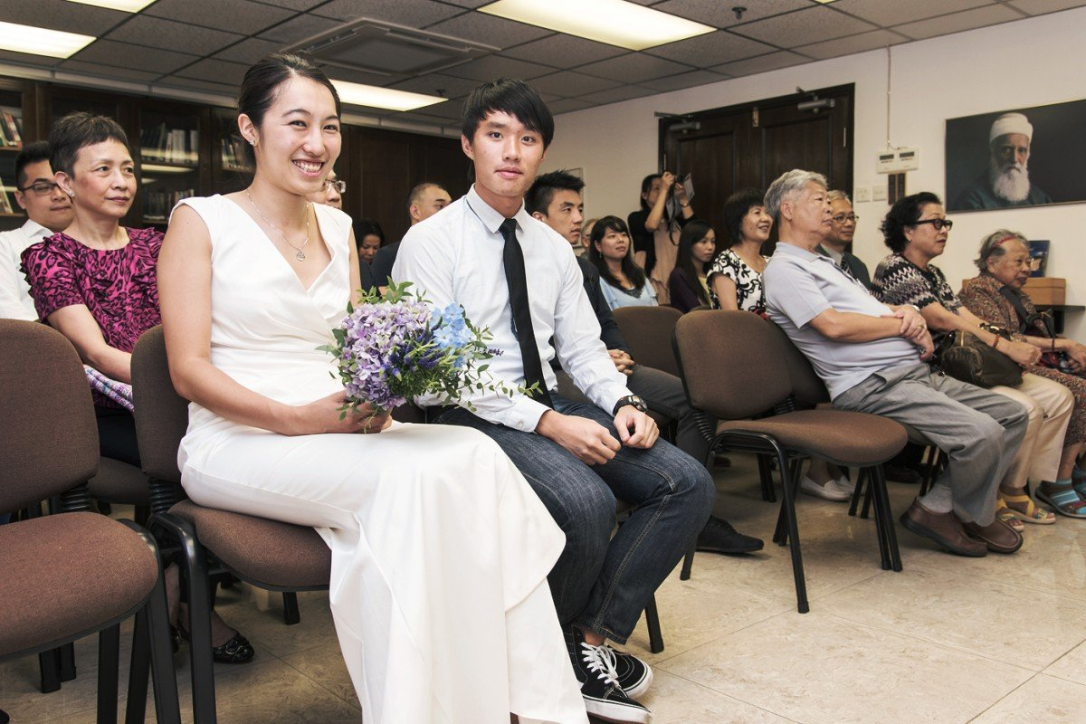 Writer Alan Yu and wife Clara, on their wedding day. Photos: James Yip; courtesy of Henry Wang and Kris Lee