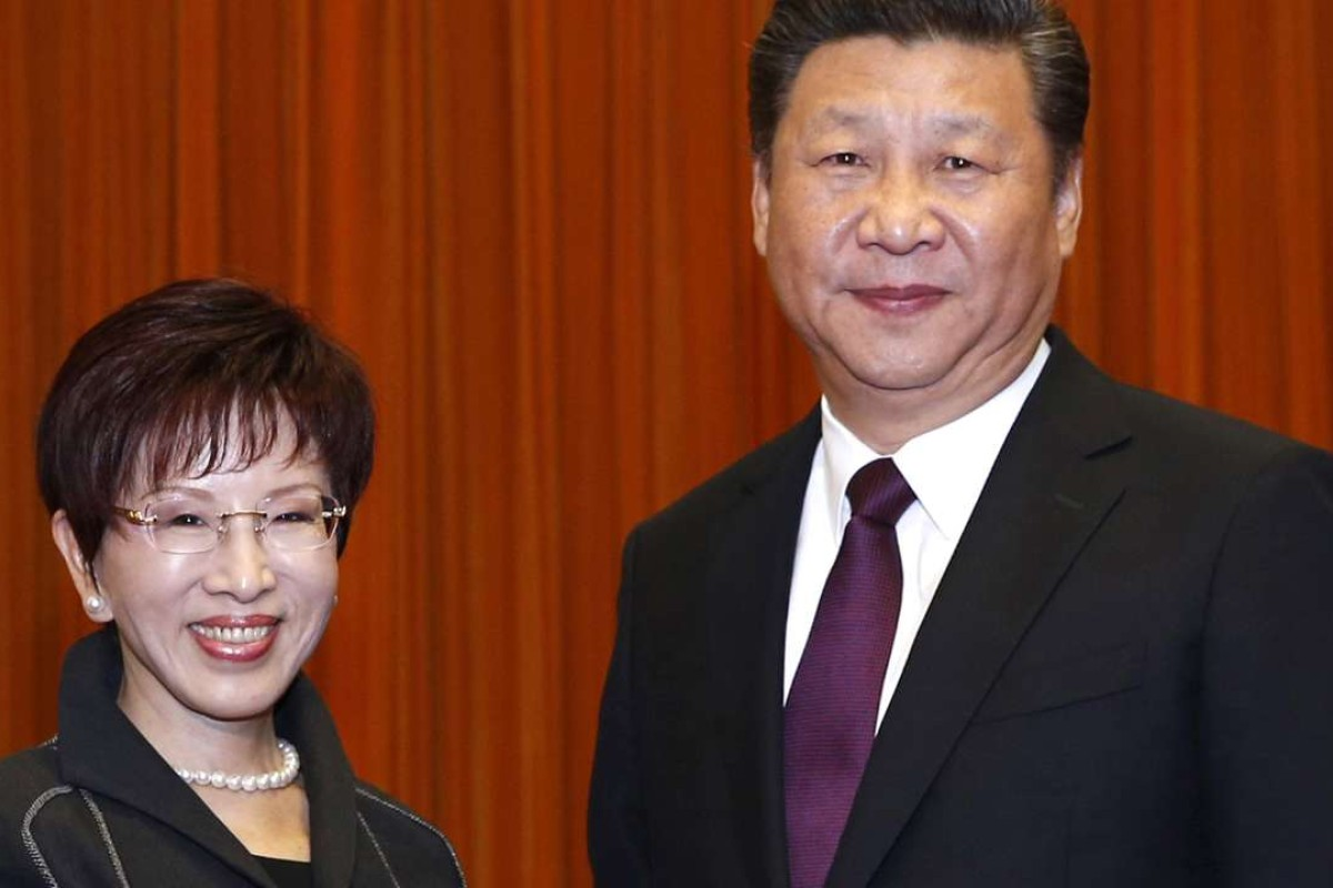 Xi Jinping (right) and Kuomintang chairwoman Hung Hsiu-chu expressed opposition to independence for Taiwan. Photo: Xinhua