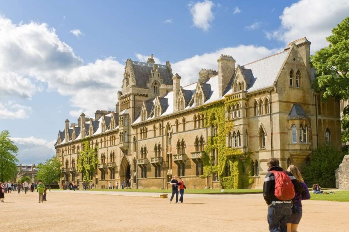 Students at Oxford. Photo: Shutterstock