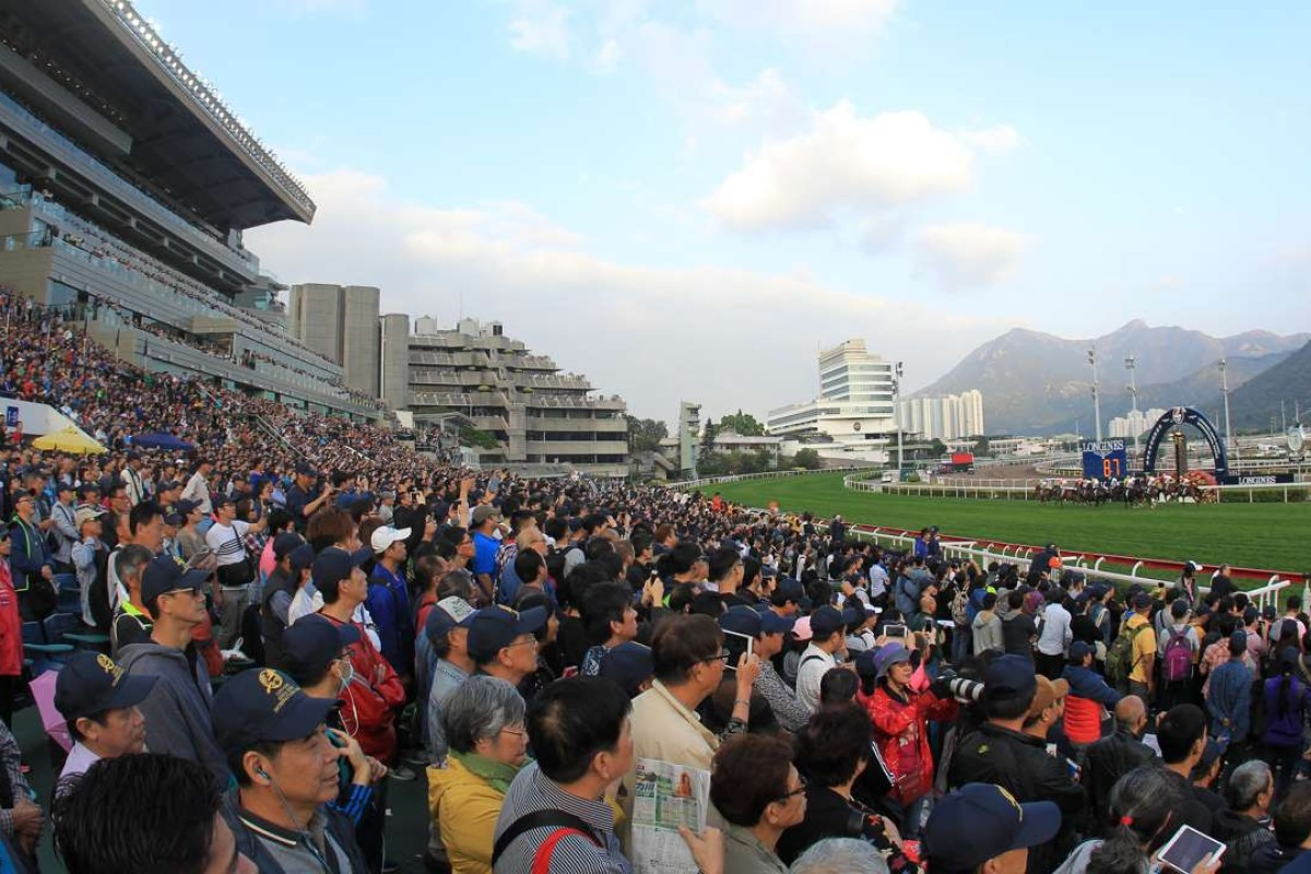 Maurice wins the Hong Kong Cup in front of a record crowd at Sha Tin. Photos: Kenneth Chan