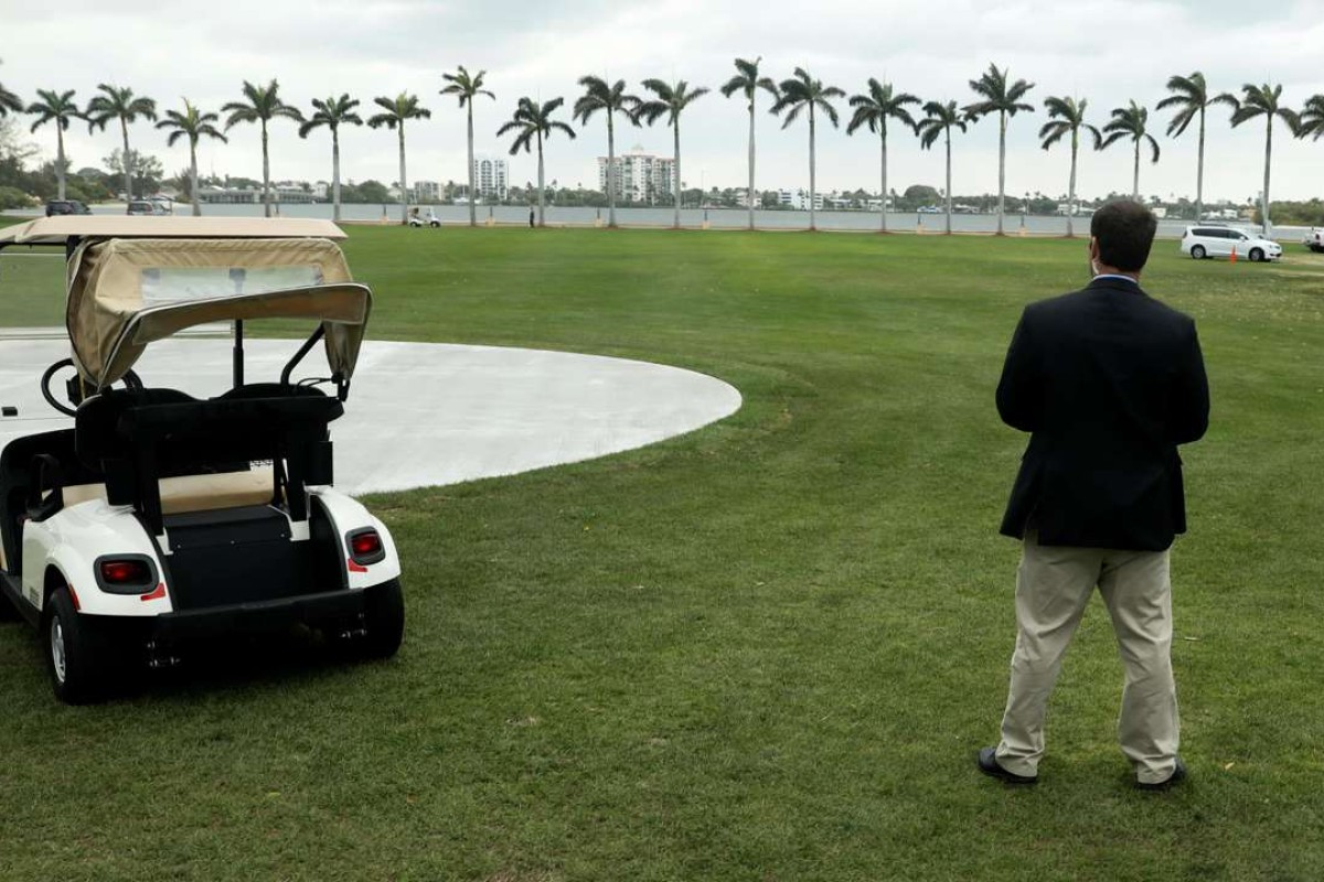 A Secret Service agent stands watch as US President Donald Trump departs after spending the weekend at the Mar-a-Lago Club in Palm Beach, Florida. Chinese President Xi Jinping will meet Trump at Mar-a-Lago next month. Photo: Reuters