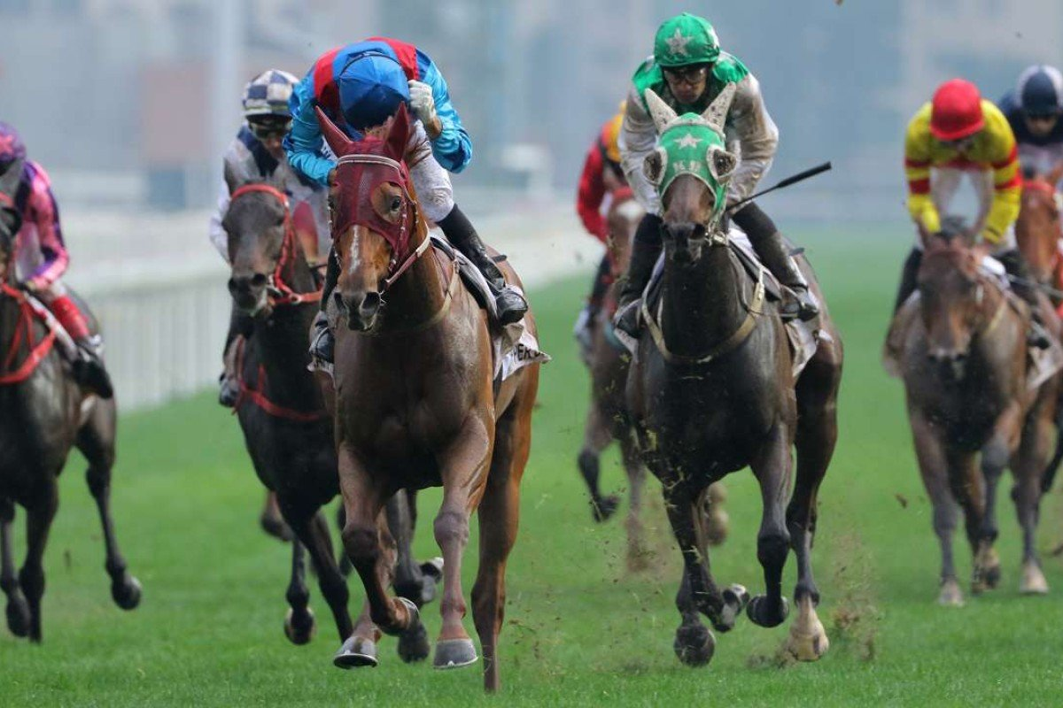 Rapper Dragon (blue) and Pakistan Star (green) finish first and second in the Hong Kong Derby. Photos: Kenneth Chan