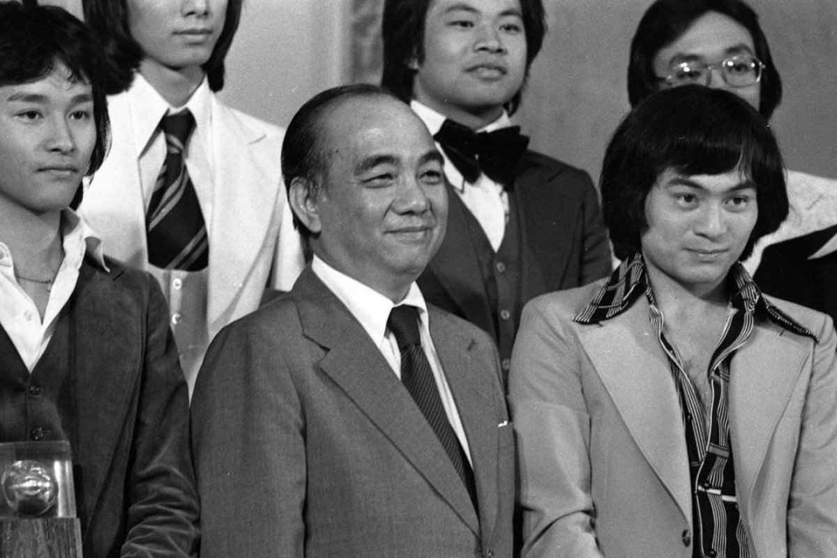 Mr Steve Huang (Centre) posing for a picture with winner Simon Chung Wei-keung (R) and runner-up Leslie Cheung Kwok-wing of the Asian Amateur Singing Contest in 1977.
