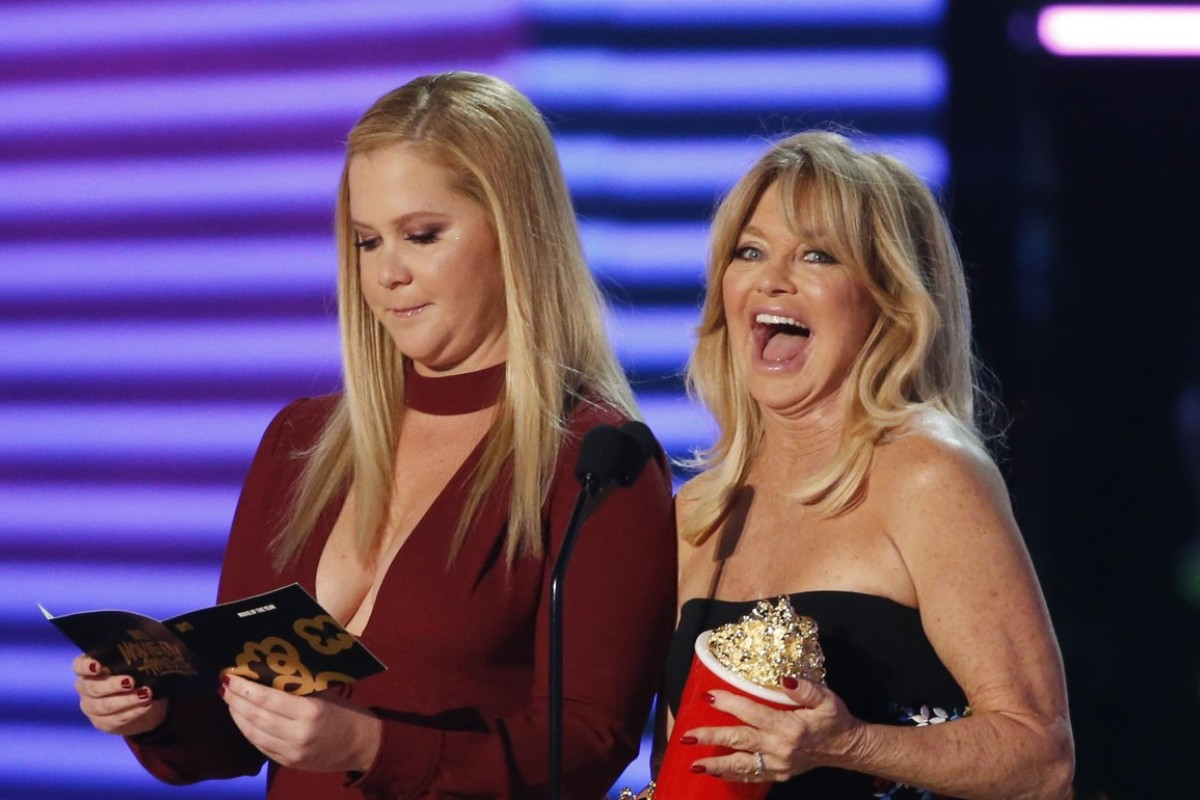 2017 MTV Movie and TV Awards - Show – Los Angeles, U.S., 07/05/2017 – Amy Schumer and Goldie Hawn. REUTERS/Mario Anzuoni