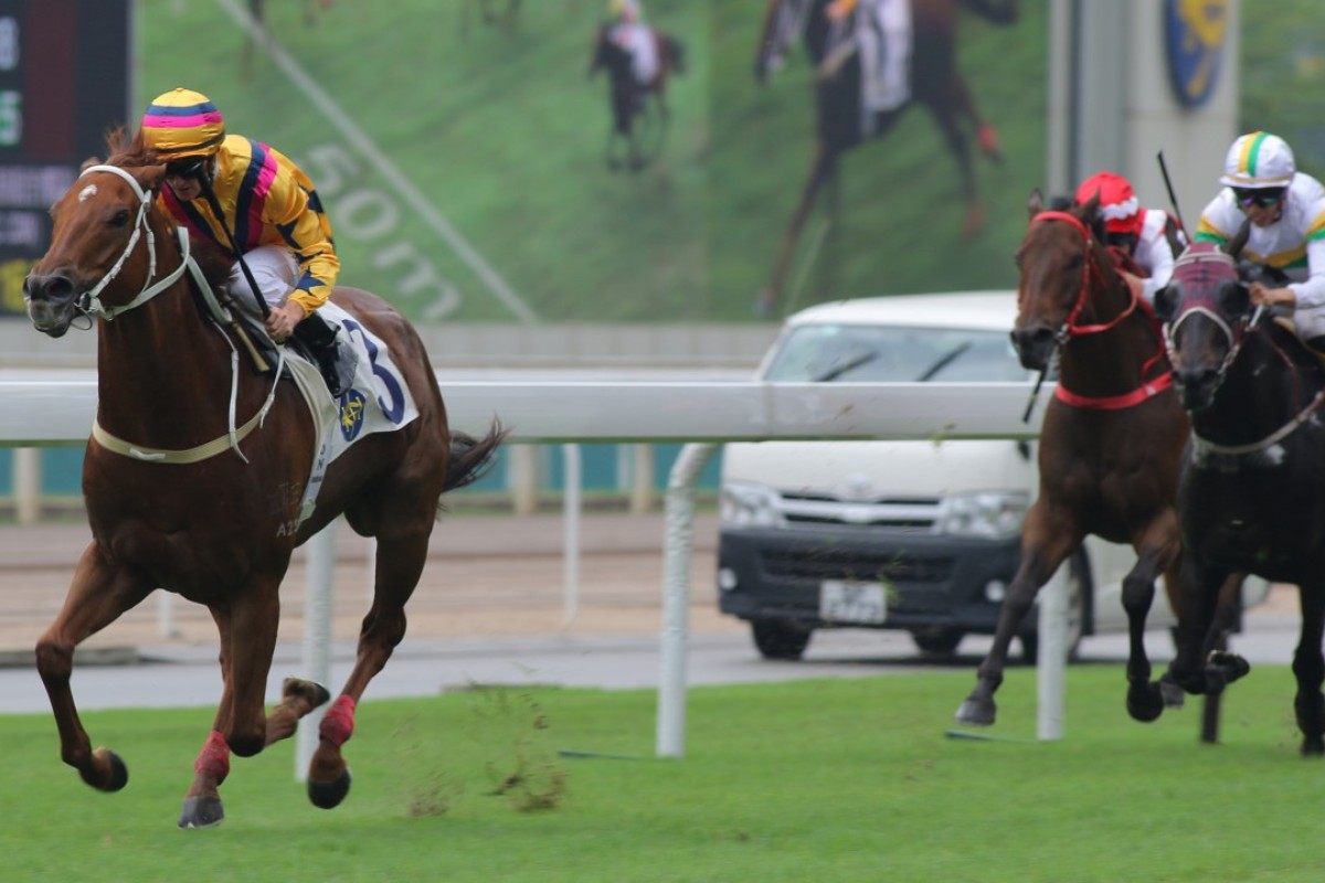 Zac Purton guides Winner's Way to victory in May. Photos: Kenneth Chan