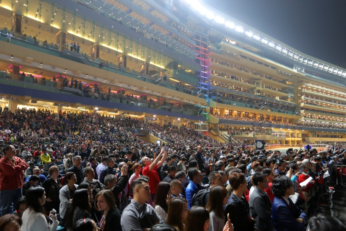A packed Happy Valley in the build-up to the Longines Hong Kong International Races. Photos: Kenneth Chan.