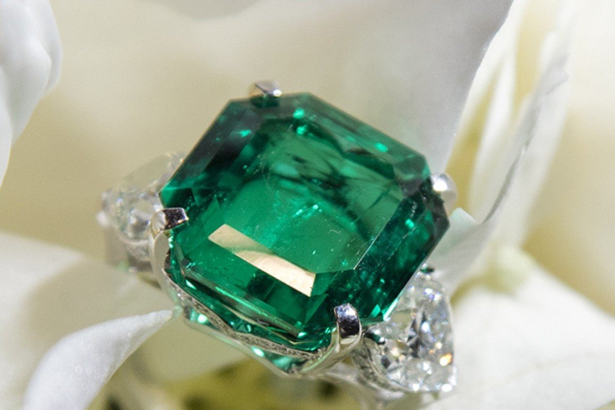 engagement bridal hbz wedding unique jewellery green ring beautiful emerald fashion rings