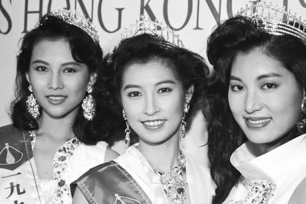 Amy Kwok (centre), Miss Hong Kong 1991, flanked by first runner-up Valerie Chow Kar-ling (right) and second runner-up Ada Choi Siu-fun.