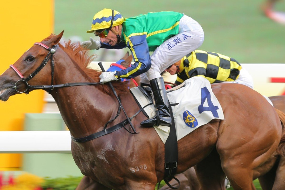 Gerald Mosse guides Blizzard to victory at Sha Tin in July 2015. Photos: Kenneth Chan