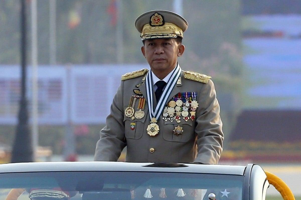 Myanmar Senior General Min Aung Hlaing inspects troops. Photo: EPA