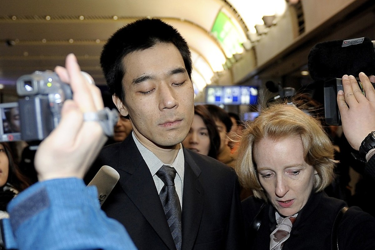 Korean-American Robert Park in 2010, being escorted by US officials upon his release from North Korea. In an open letter, he has urged US President Donald Trump to avoid an armed conflict on the Korean peninsula. Photo: AP