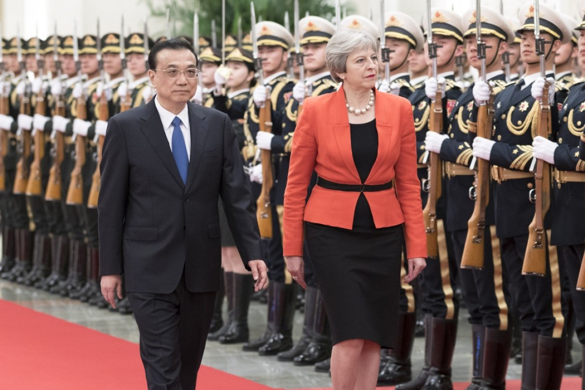 Chinese Premier Li Keqiang welcomes British Prime Minister Theresa May to Beijing. Photo: Xinhua