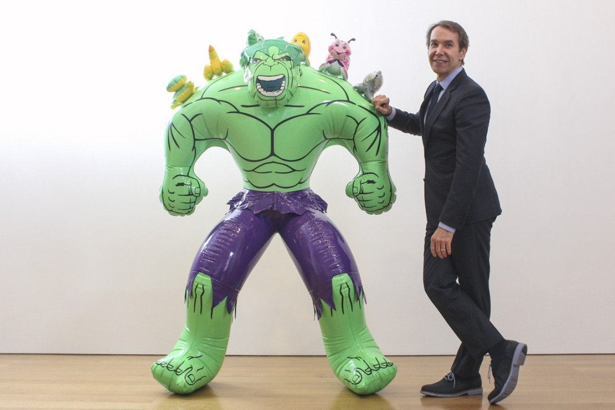 Jeff Koons with Hulk (Friends) (2004-2012), at the Gagosian gallery, in Central, in 2014. Picture: SCMP