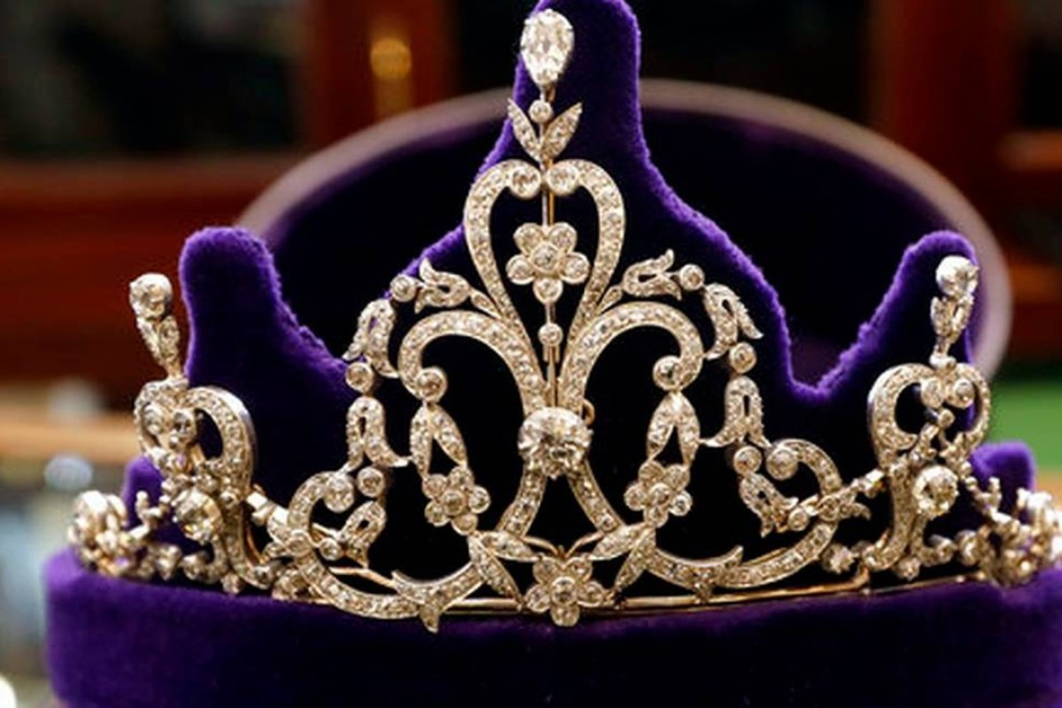A late-Victorian floral motif tiara, from around 1885 displayed at Bradley & Skinner, an antique jewellery specialist in London. Photo: AP