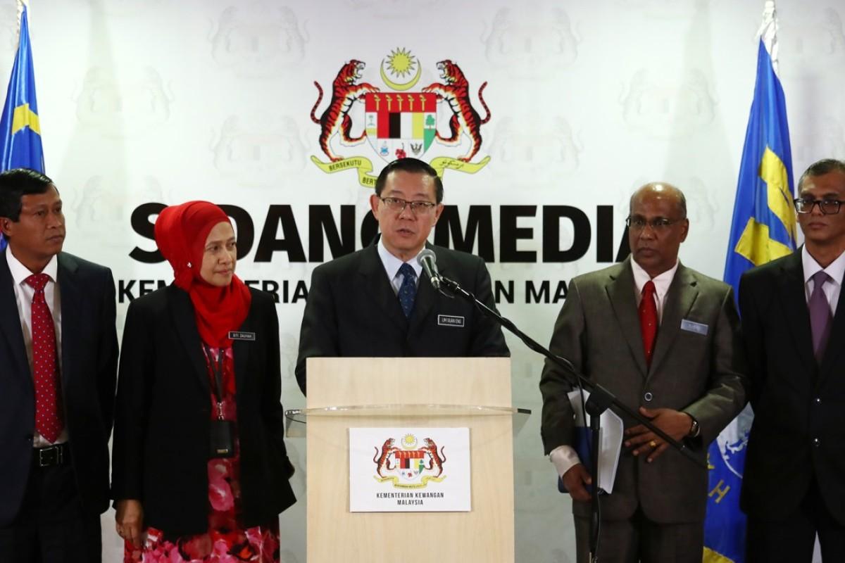 Malaysian Finance Minister Lim Guan Eng with deputies Asri Hamidon, Siti Zauyah Mohd Desa, Seri Subromaniam Tholasy, and Seri Ahmad Husni Hussain. Photo: Nora Tam
