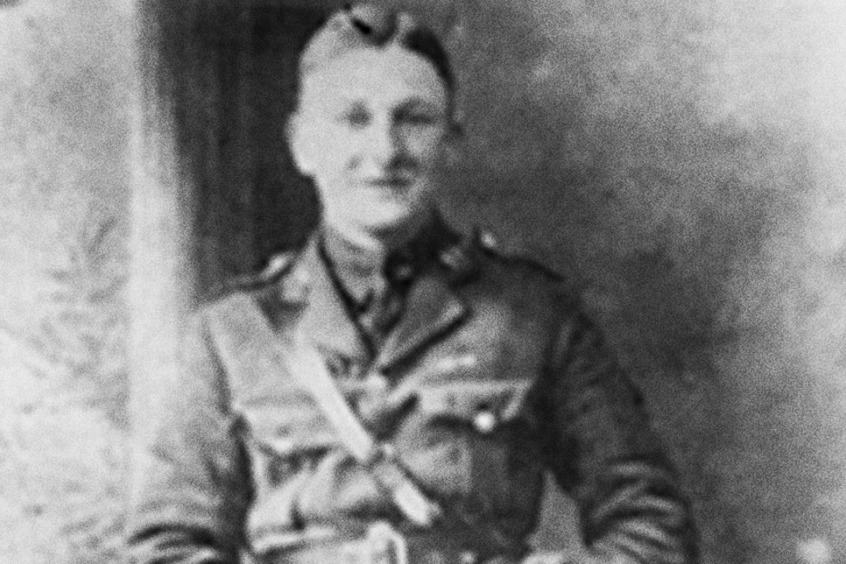 Poet Edmund Blunden served with the Royal Sussex Regiment during the first world war.