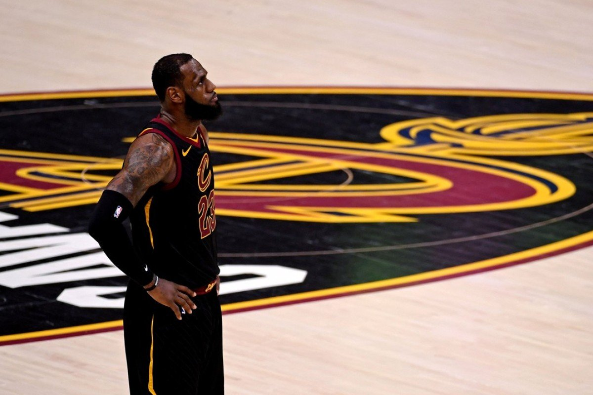 LeBron James' decision to join the Los Angeles Lakers has sparked a frenzy of enthusiastic tweets from stars and celebrities who support the NBA team. Photo: Kyle Terada/USA Today Sports
