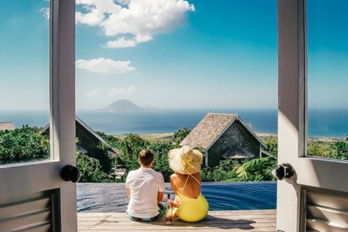 Breathtaking scenery is only one of the attractions for tourists visiting of the idyllic islands of St Kitts and Nevis in the West Indies, in the Caribbean. Photo: Buro 24/7/Instagram account @bonvivantbiestek