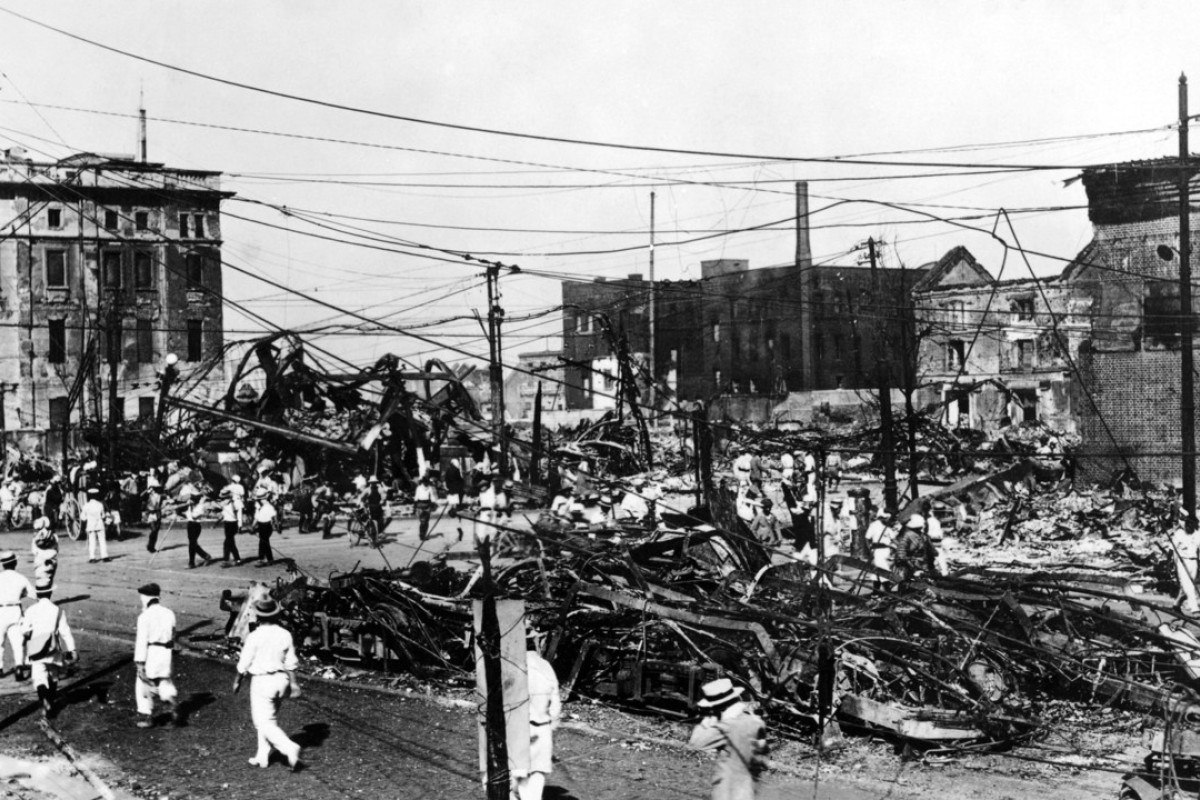 Ruins of burned streetcars after the 1923 Great Kanto Earthquake in Tokyo. Photo: Shutterstock