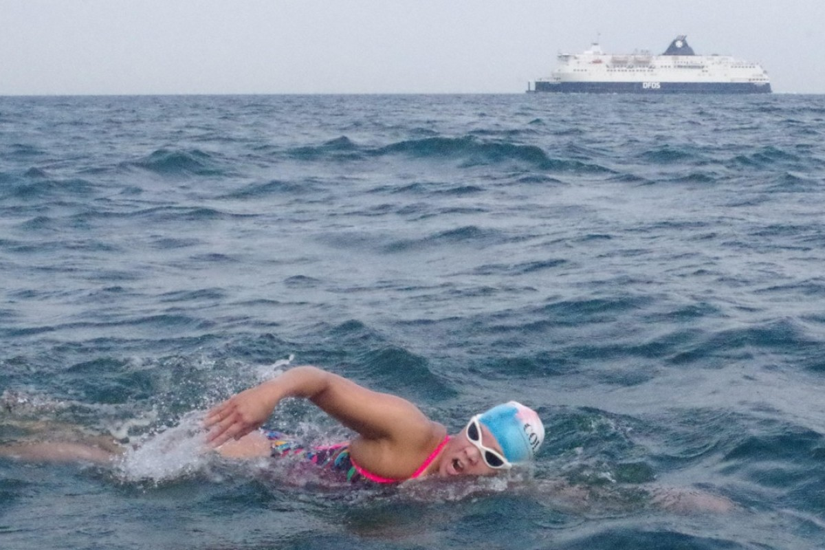 Edie Hu prepares mentally by training on the long stretches between landmarks. Photos: Splash