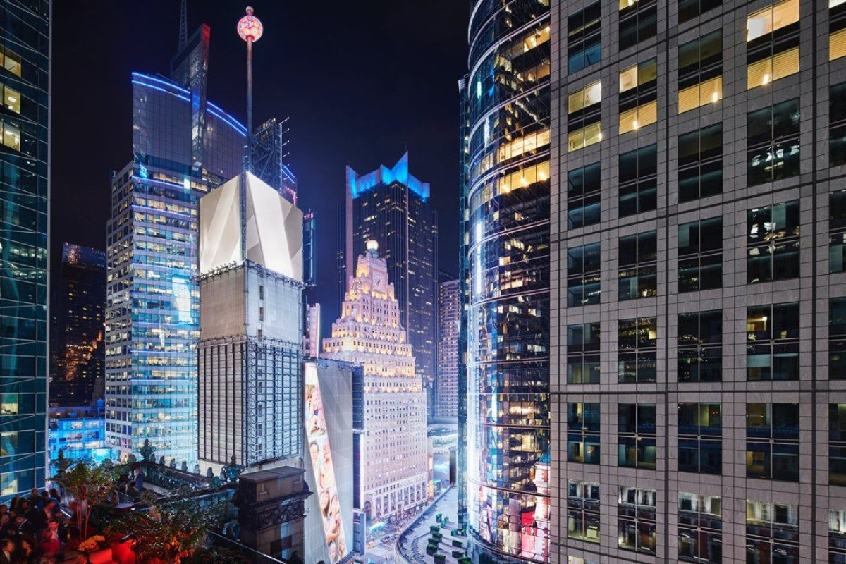 Guests Can Enjoy Watching The New Year S Eve Countdown In York Times Square From