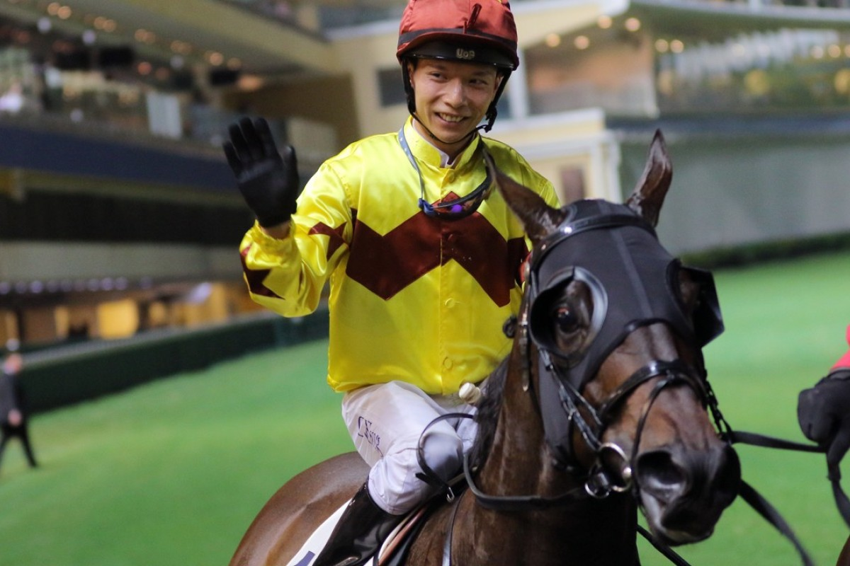 Victor Wong celebrates his 20th Hong Kong winner with Sichuan Boss. Photos: Kenneth Chan