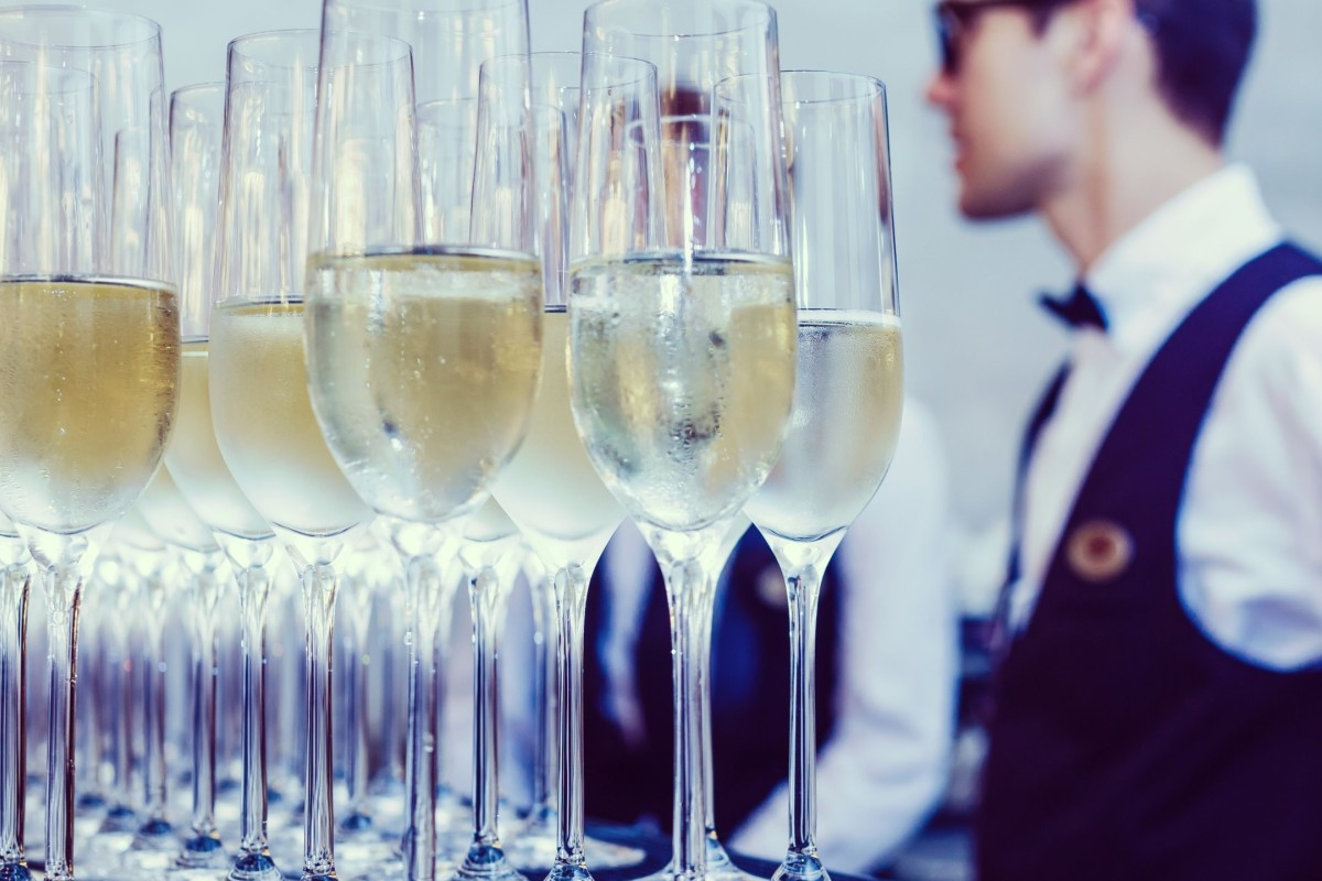 Flutes look elegant, but are not the best way to serve champagne. Photo: Shutterstock