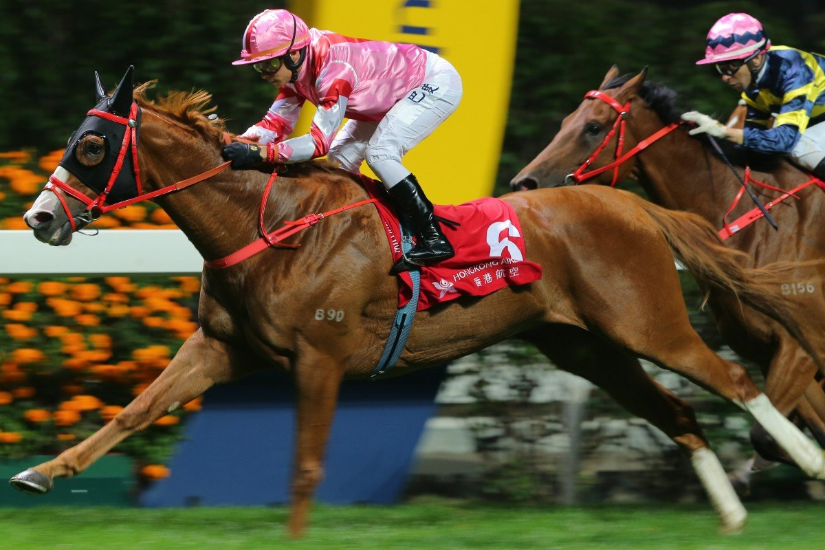Alexis Badel guides Simply Brilliant to victory in the Group Three January Cup at Happy Valley. Photo: Kenneth Chan