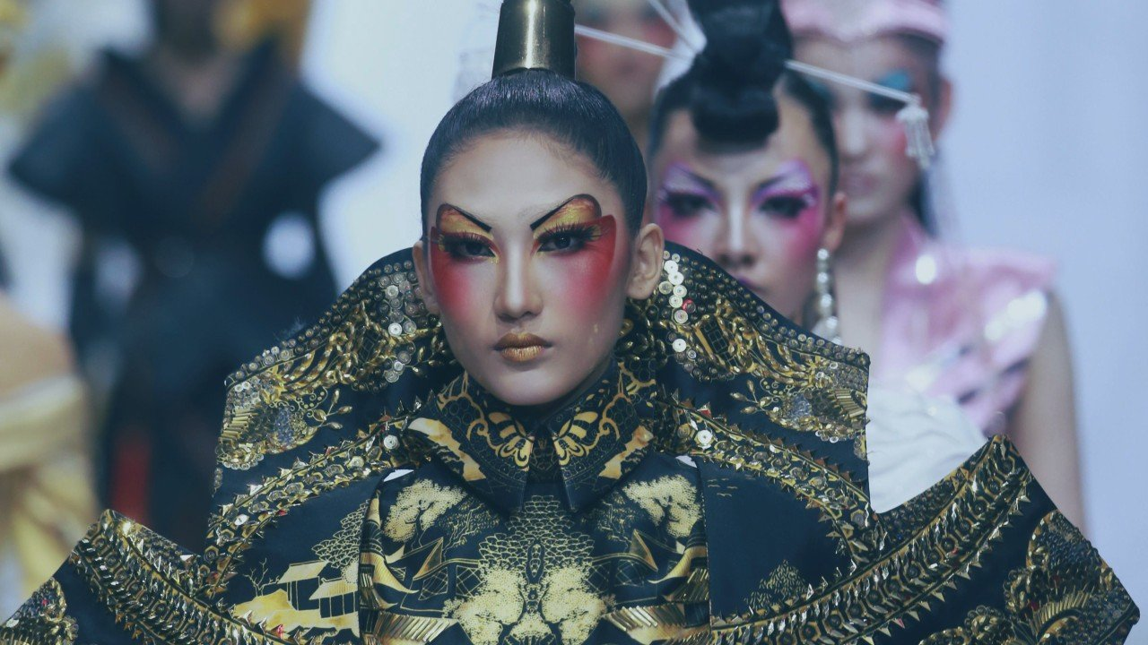 The classical Chinese-inspired make-up of Mao Geping